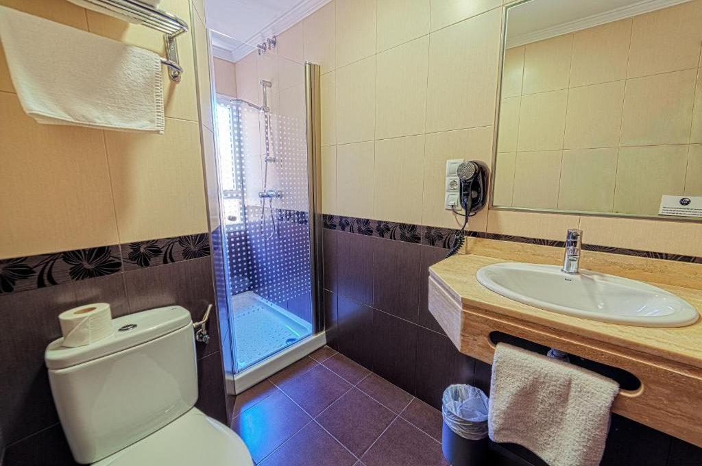 Habitación Triple. 1 o 2 camas | Max. 3 personas | peticion-de-disponibilidad-no-reserva